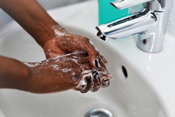 Hand washing500px