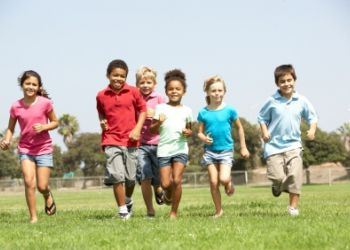 Children running 2